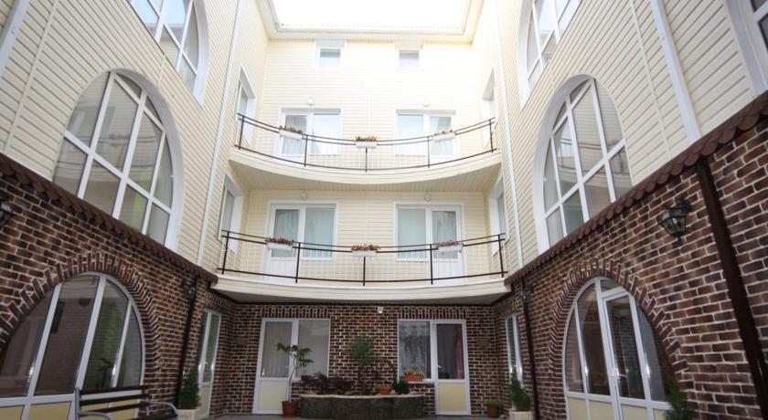 анапа мини гостиницы гостевой дом с бассейнами и автостоянка: