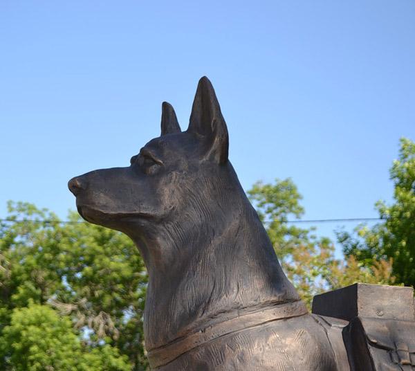Памятники в россии собакам есть гранитные памятники фото цены фото разновидности