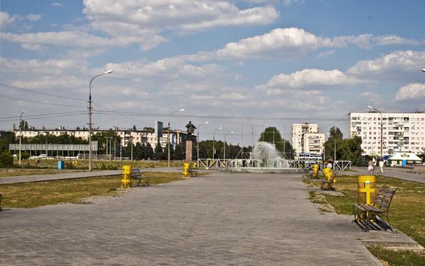 Площадь ленина была построена в